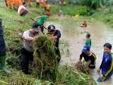 Antisipasi Banjir Forkopimcam Sungai Keruh Gotong Royong Bersihkan Sungai