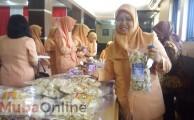 Hj Siti Sulaiha pengelolah ikan lele menjadi es cream
